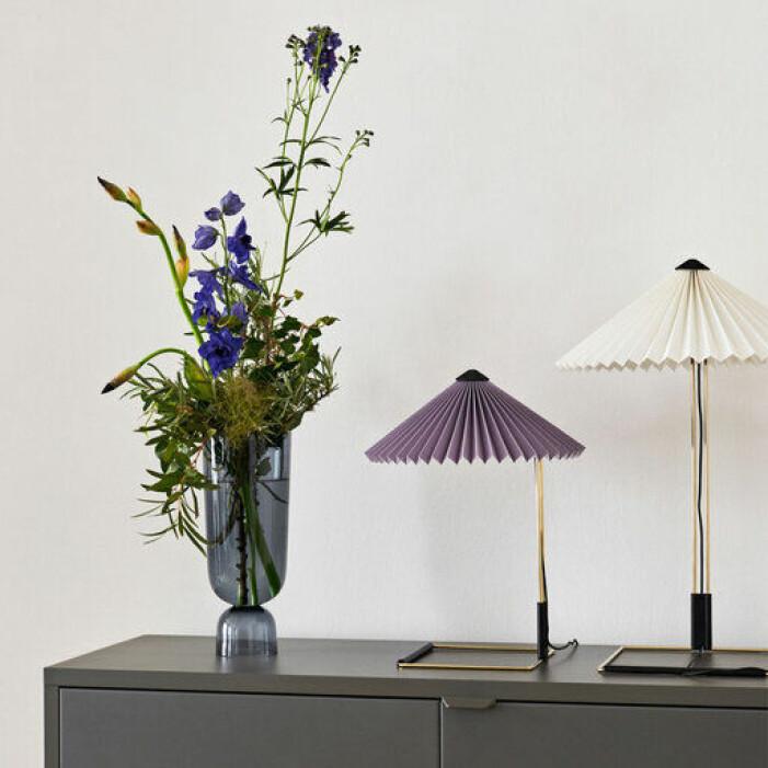 lila bordslampa