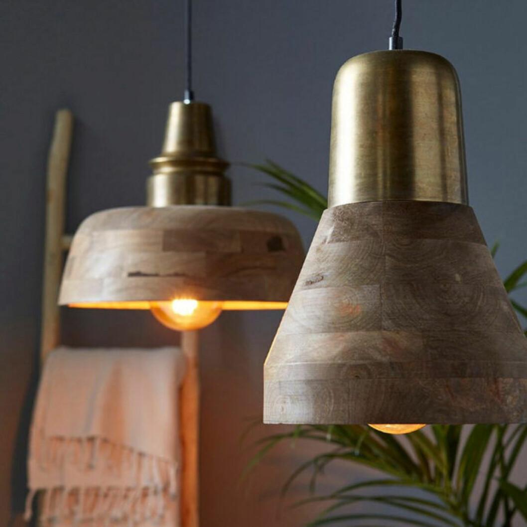 lampa i trä från Ellos
