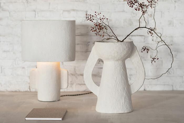 lampa och vas med medelhavsinspiration