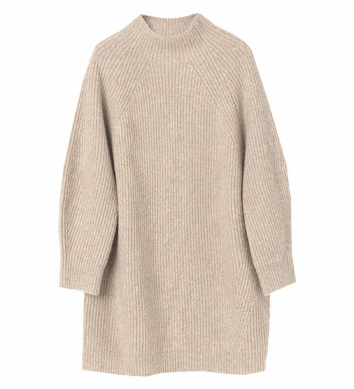 lång beige stickad tröja