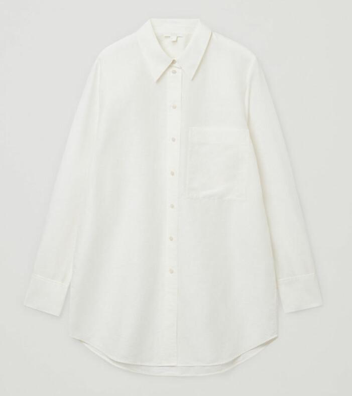 vit lång linneskjorta