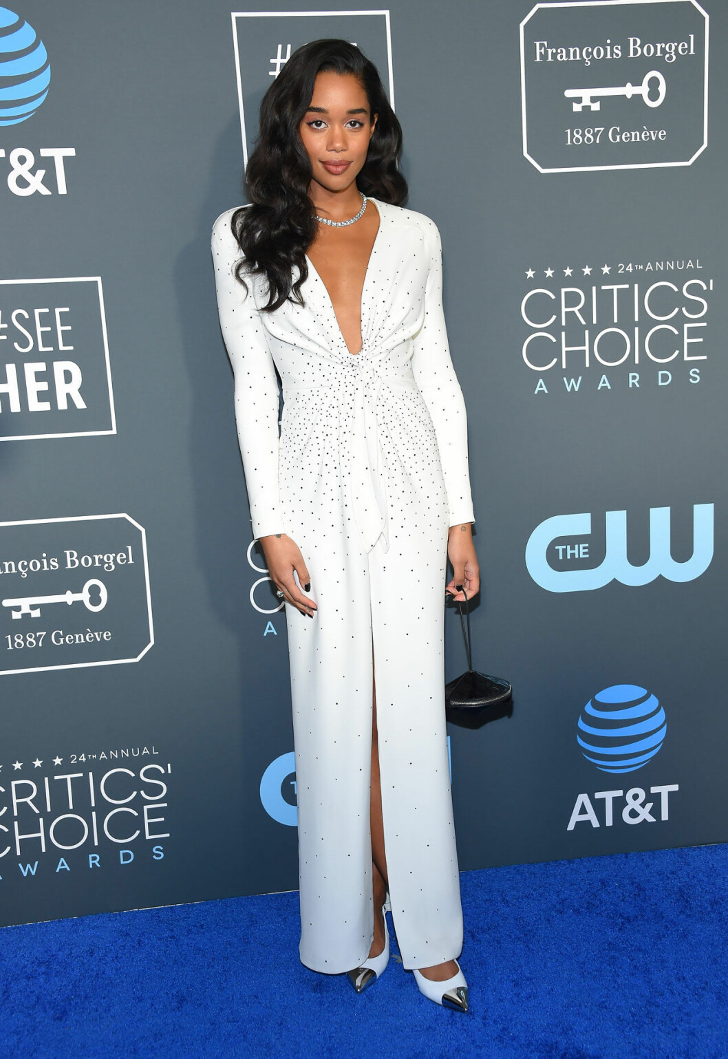 Laura Harrier på röda mattan på Critics Choice Awards 2019