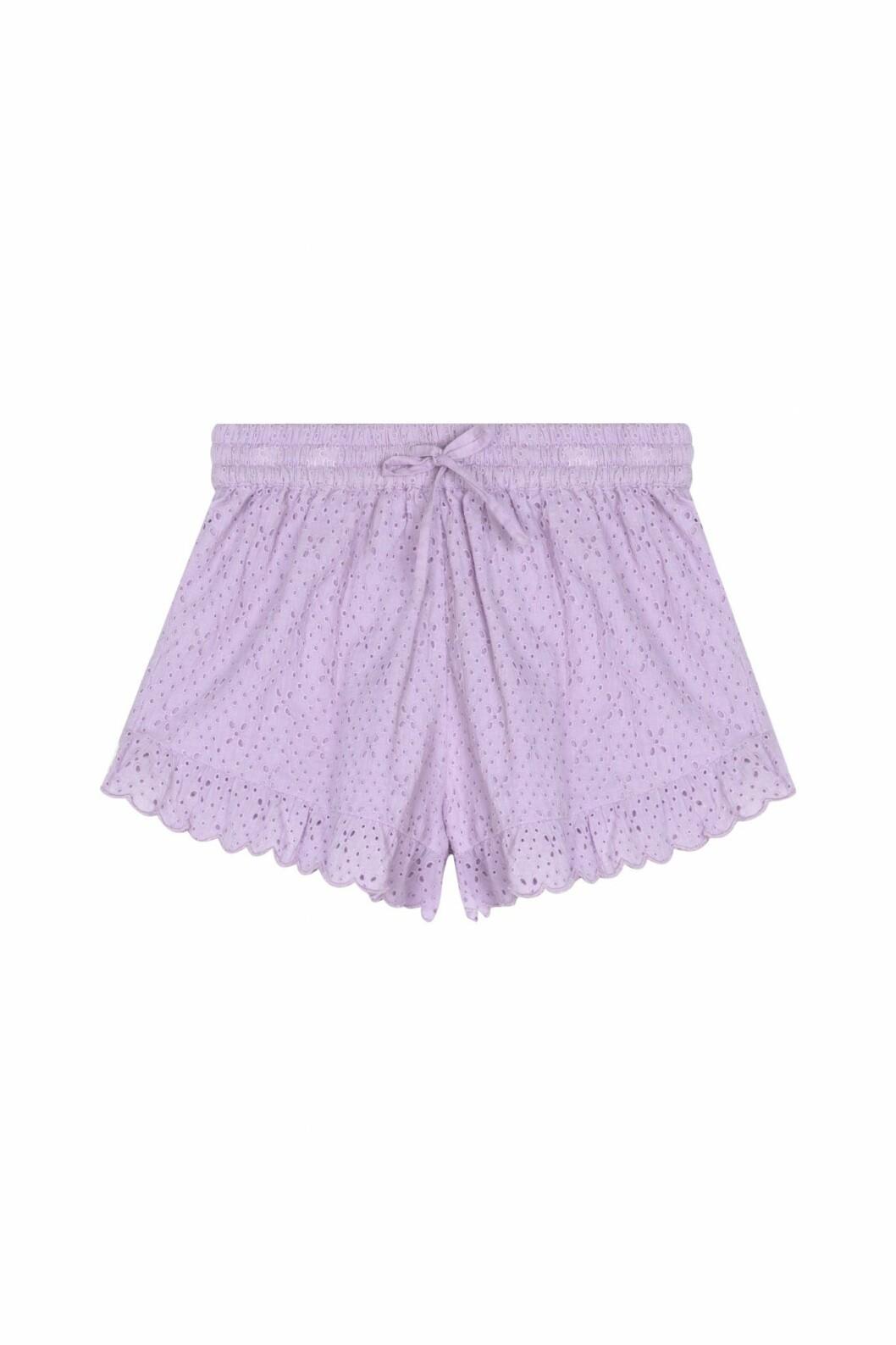lila shorts från by malina.