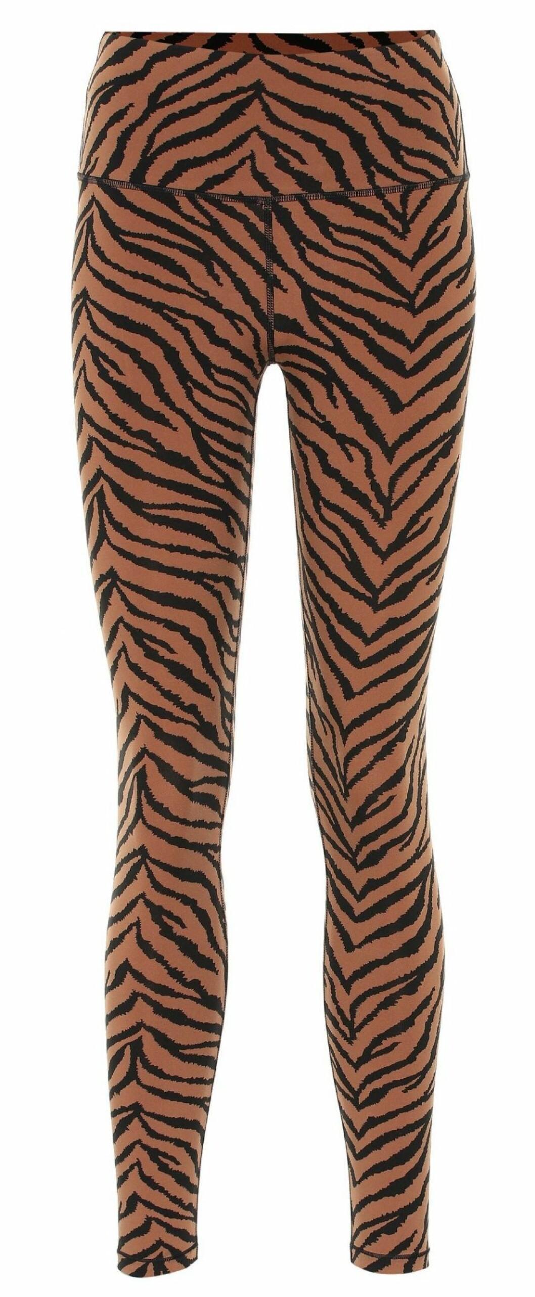 Varför inte satsa leggings i säsongens trendigaste djurprint? Som detta par från Varley med snyggt zebramönster