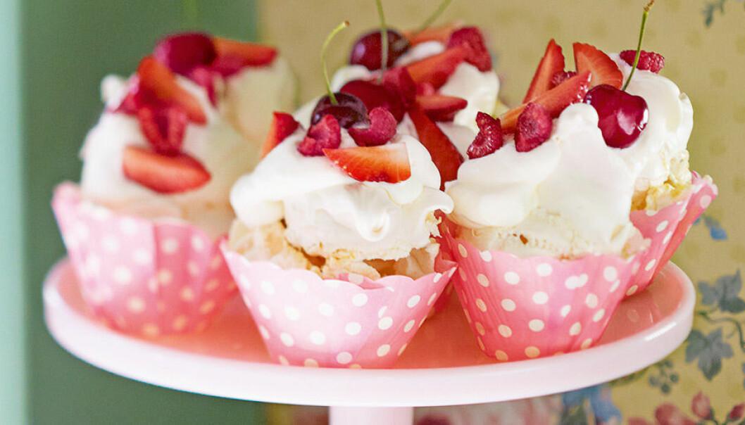 Leilas mandelpavlova-cupcakes.