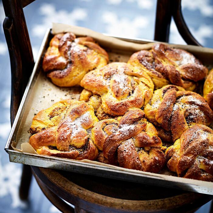 Recept på Leila Lindholms lussebullar med mandelmassa