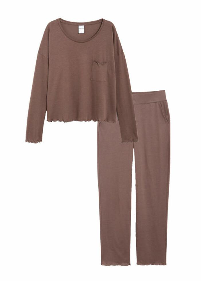 lila pyjamas till dam