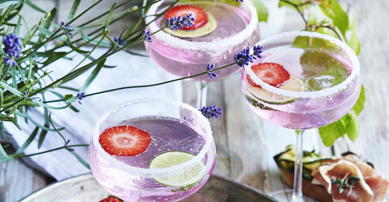 Recept på limecocktail med pink gin