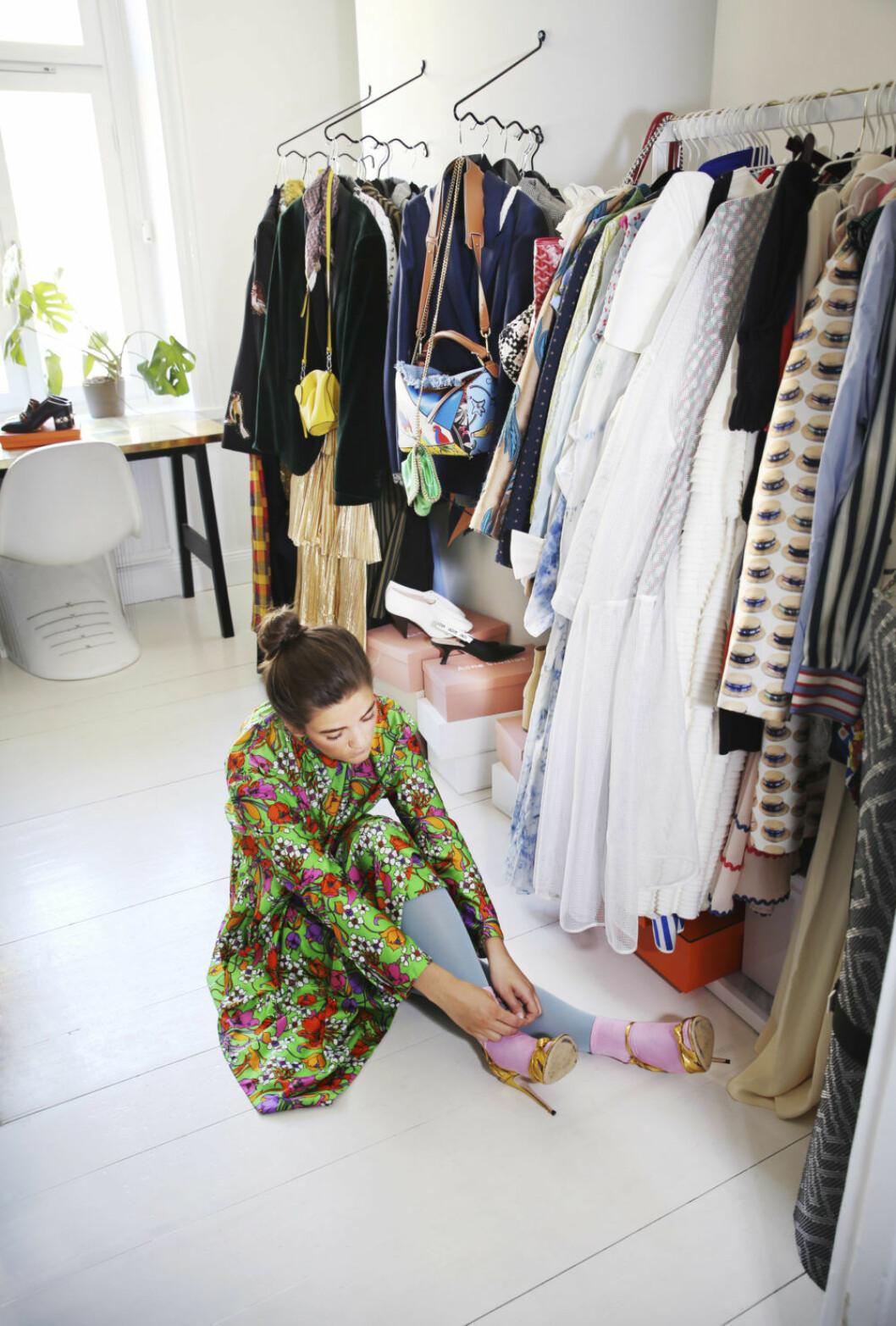 Linn Eklund har ett eget rum för sina kläder.