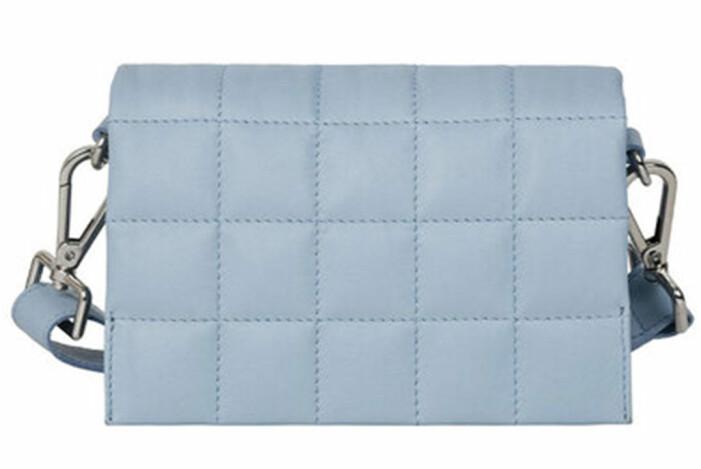 blå väska från adax