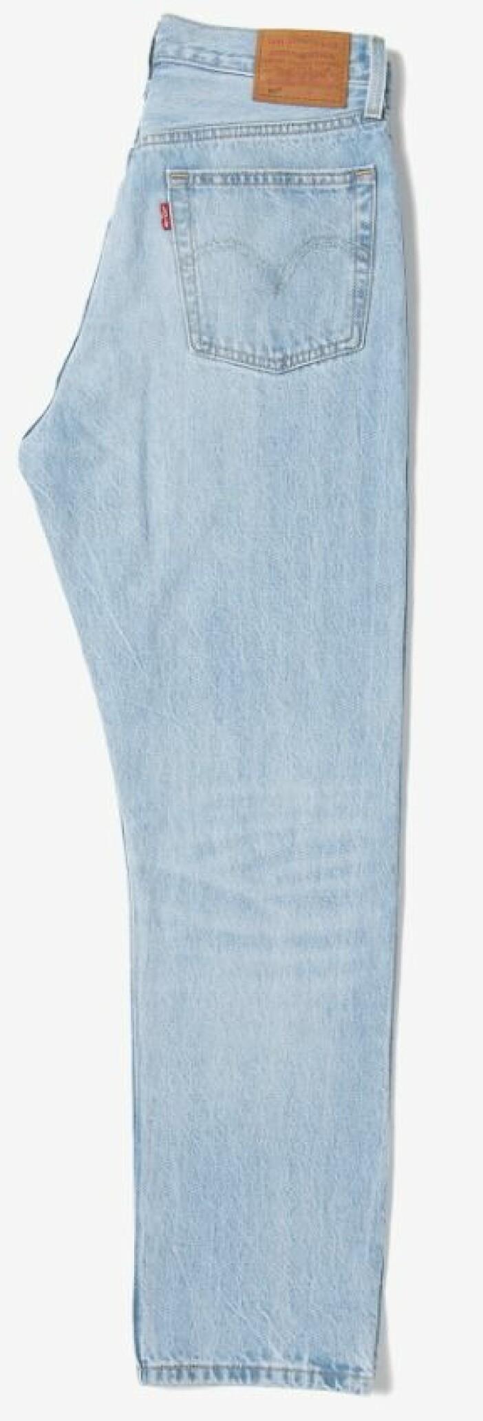Ljusblå jeans i rak modell från Levis