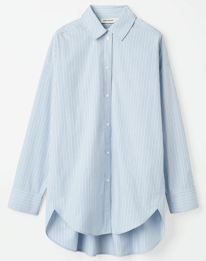 Ljusblå skjorta från Carin Wester.