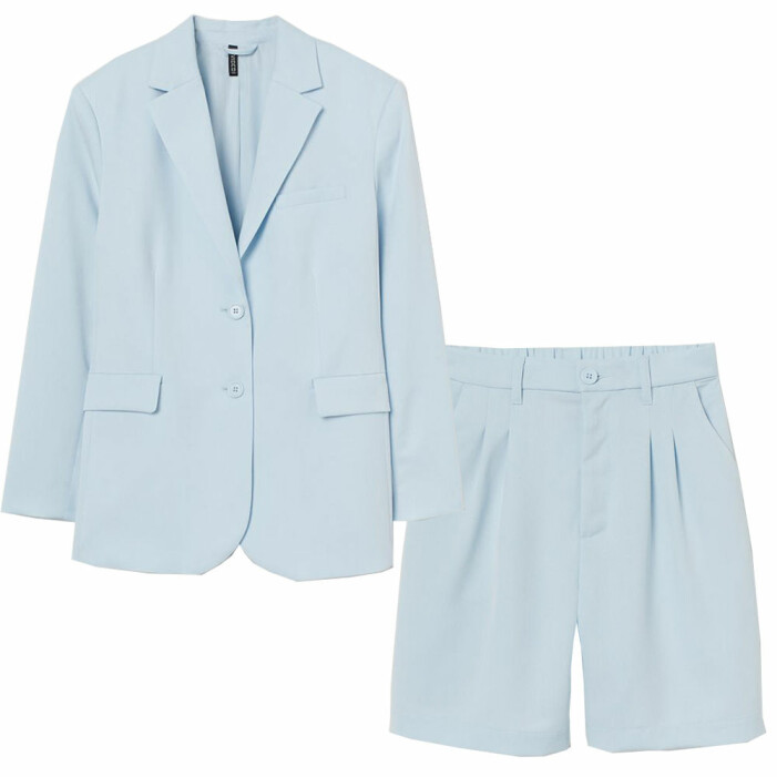 ljusblått set med kavaj och shorts från H&M