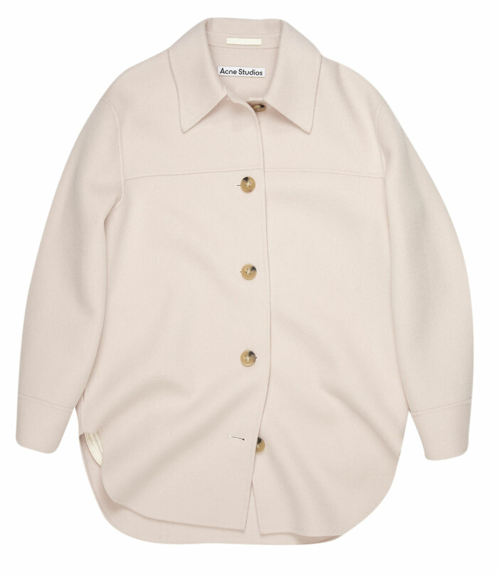 ljusrosa skjortjacka från Acne studios.