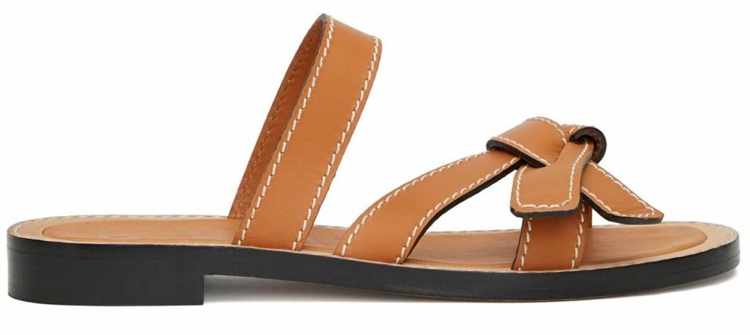 Sandaler från Loewe med korsade remband.