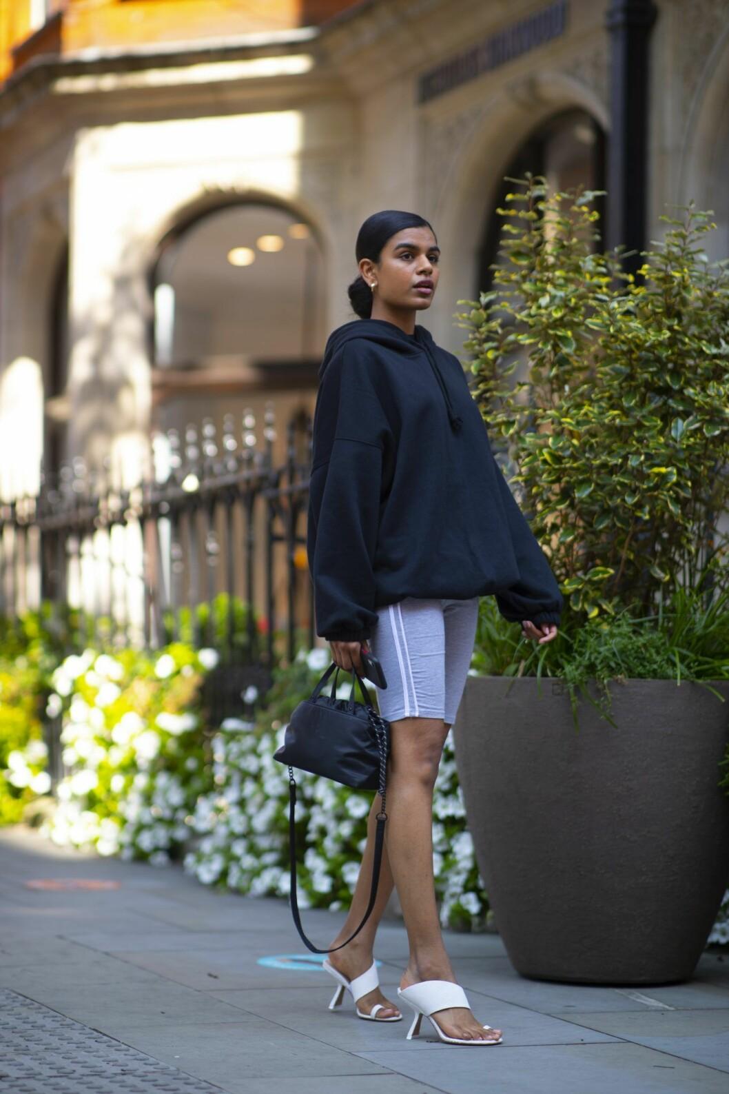 leggings streetstyle london fashion week.