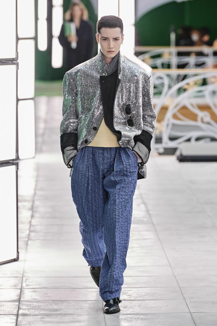 vårmode 2021 Louis Vuitton paljettkavaj