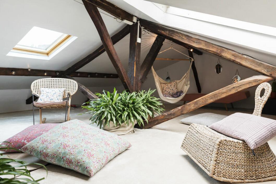 på vinden finns plats för loungemöbler och sällskapsytor