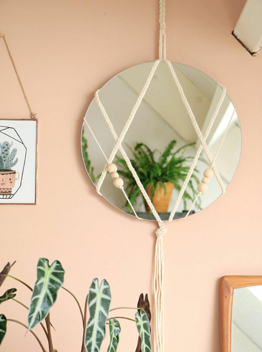 Spegel i ampel