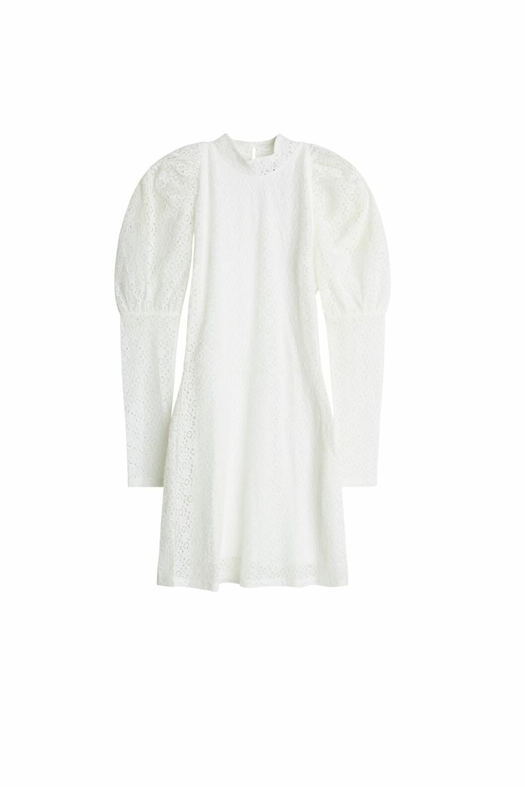 Maja Nilsson Lindelöf gör kollektion med Gina tricot –vit klänning med puffärm