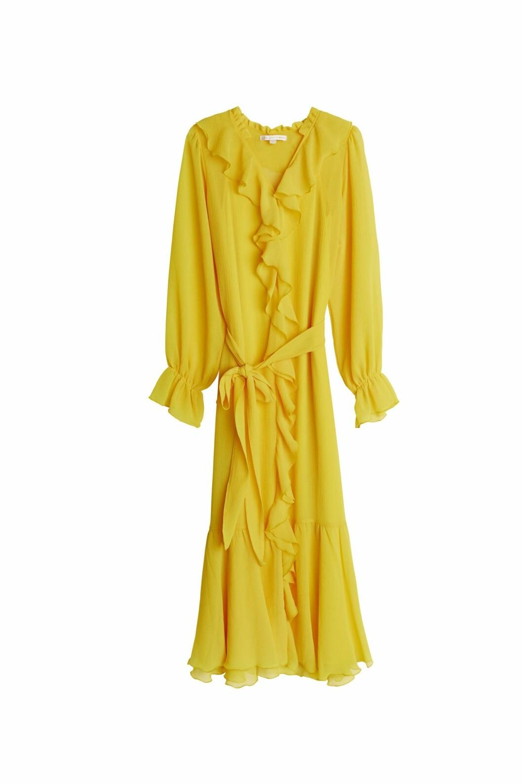 Maja Nilsson Lindelöf gör kollektion med Gina tricot –gul klänning