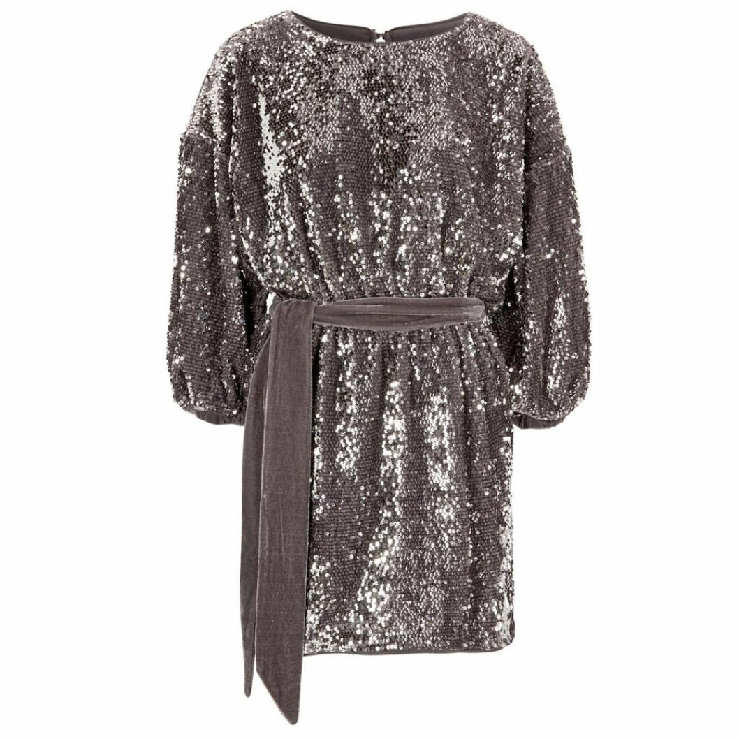 Glitterklänning med knytband i midjan från Make Way
