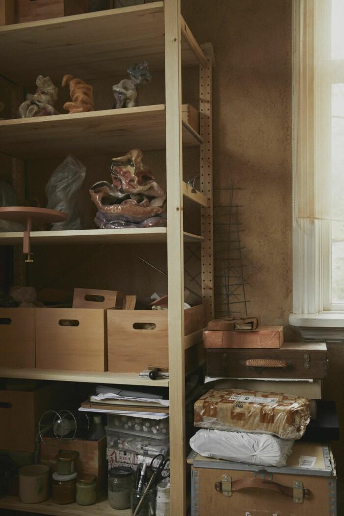 Malou Palmqvist hemma hos ateljen
