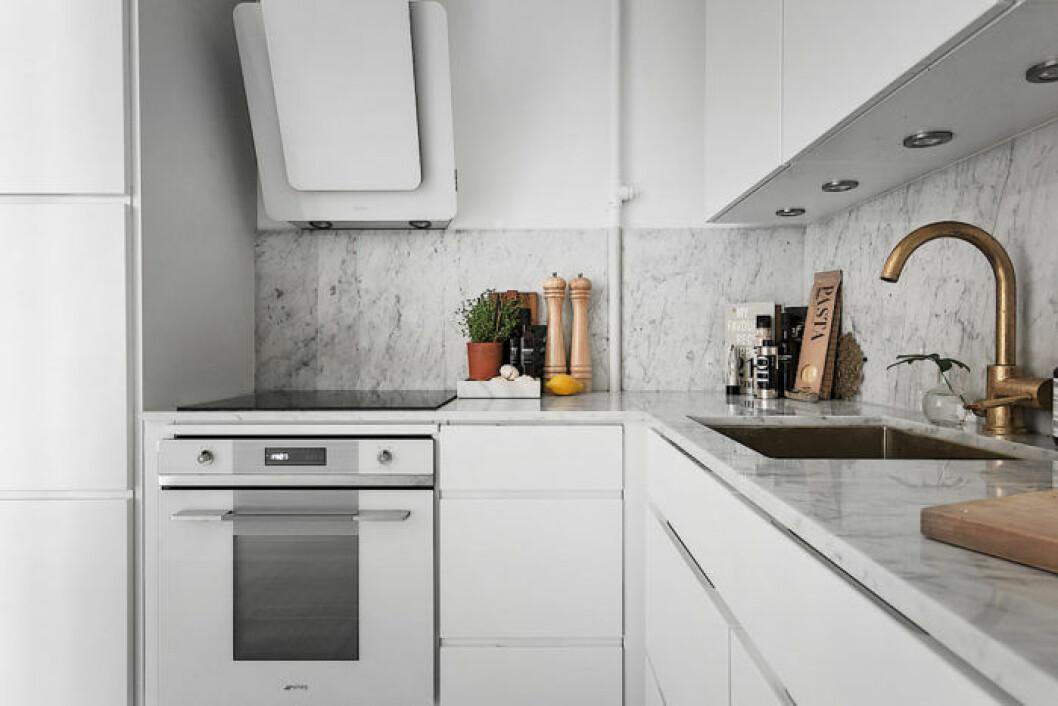 modernt marmorkök