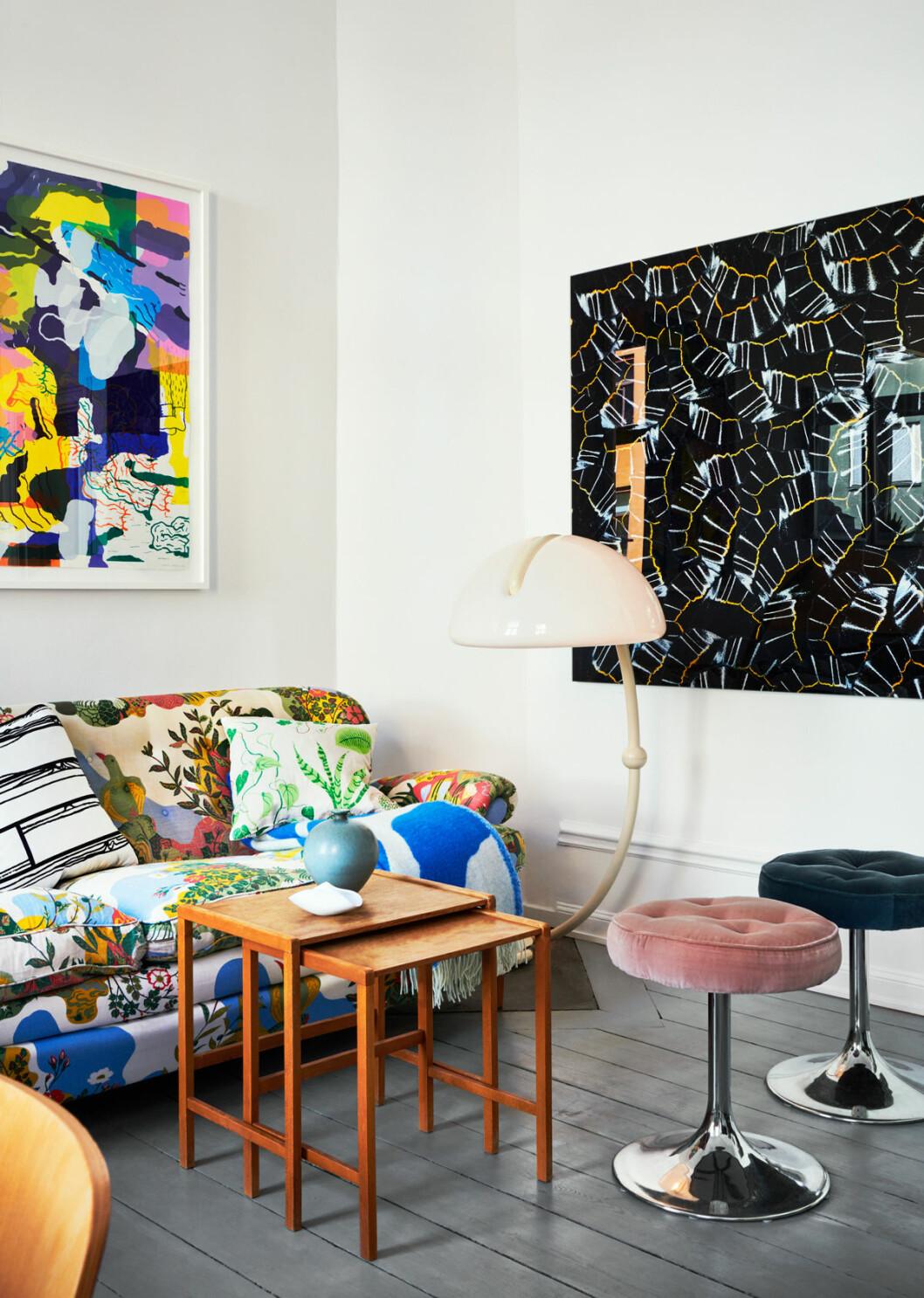 Marie Häger Stockholm soffa golvlampa