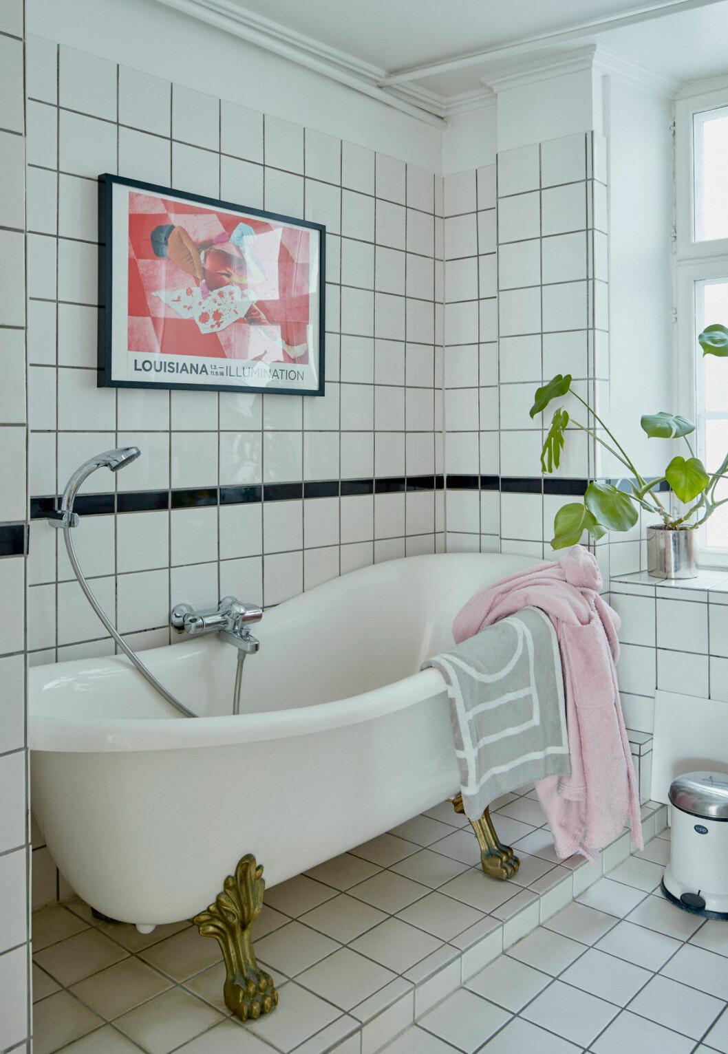Badrummet går i vitt kakel