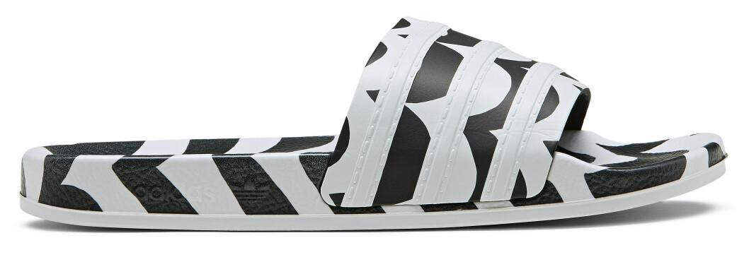 mönstrad aadidas-toffla från marimekko x adidas.