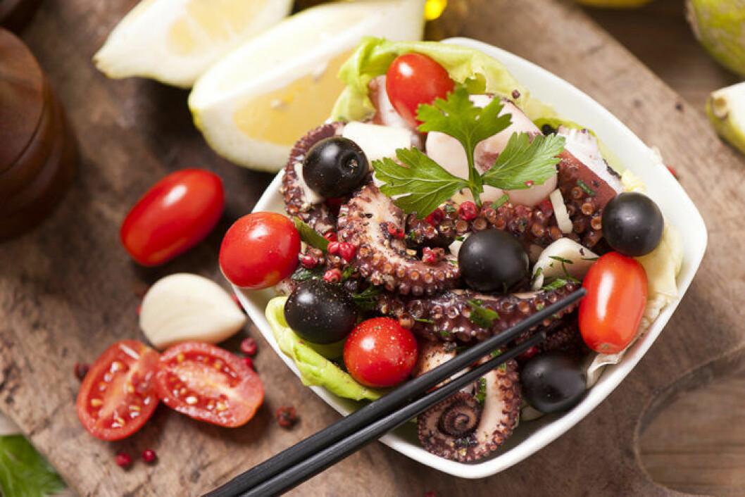 Ölmarinerad bläckfisk. Foto: Shutterstock