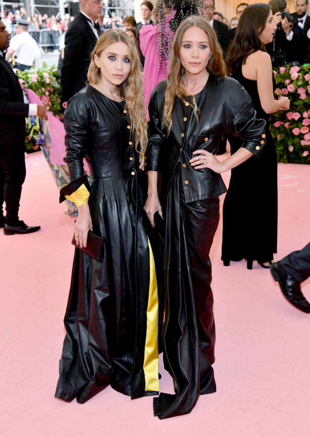Mary-Kate Olsen och Ashley Olsen på röda mattan