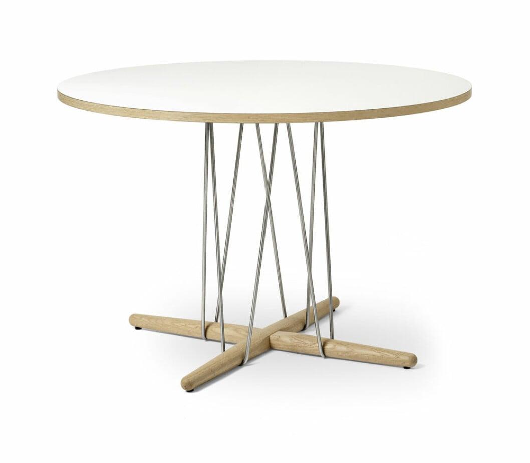 Matbord från Carl Hansen & Son