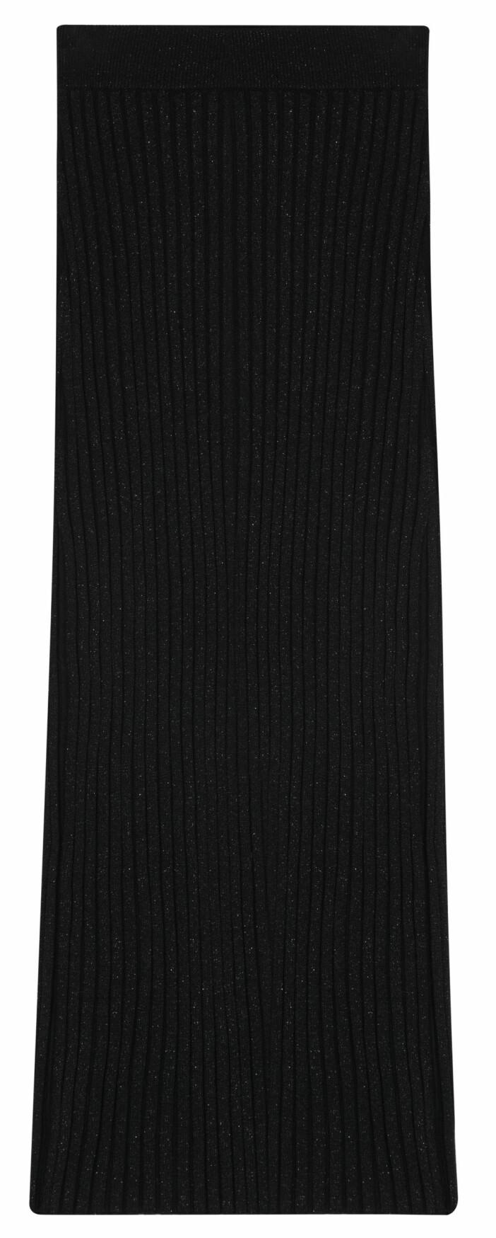 Matchande ribbstickad kjol från House of Dagmar.