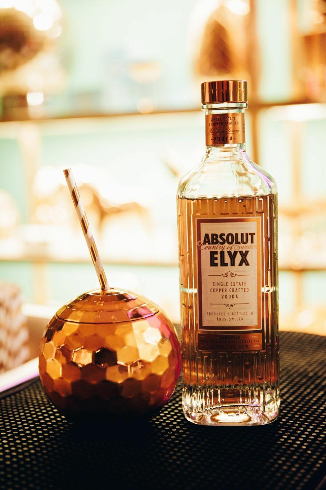 Drinkar i discokula Att servera drinken i en liten discokula sätter stämning direkt. Liknande finns bland annat på Lagerhaus.