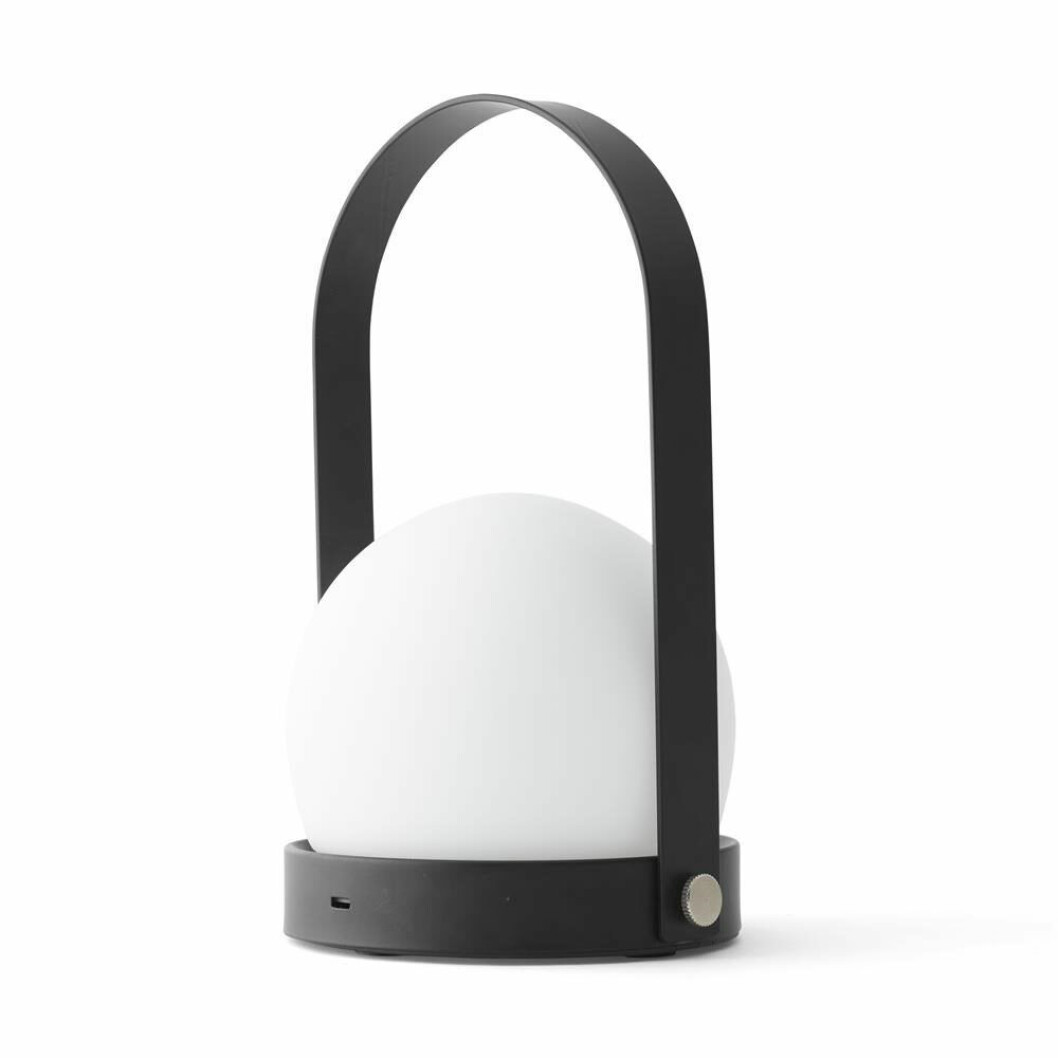 Designlampa från Menu på rea