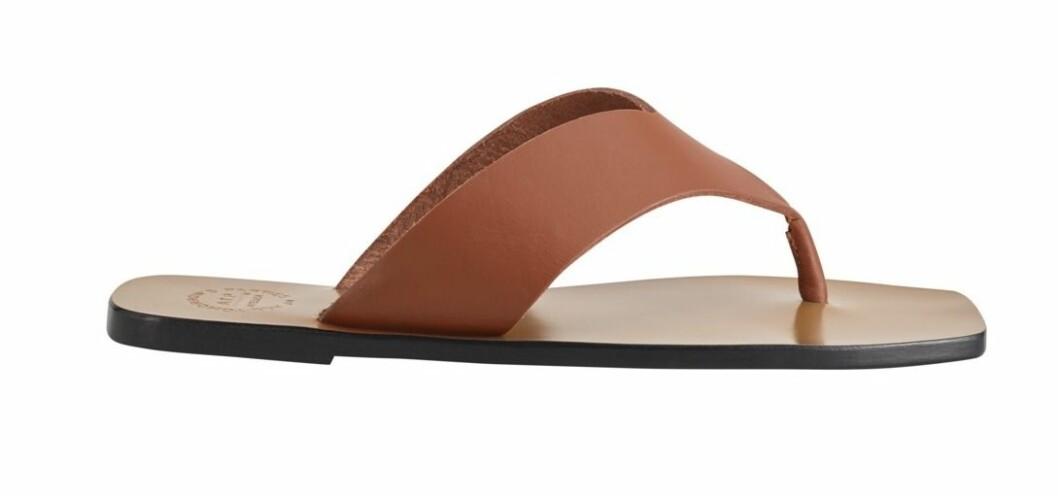 Atp Atelier har även dessa sandaler i en vacker rostfärgad nyans.