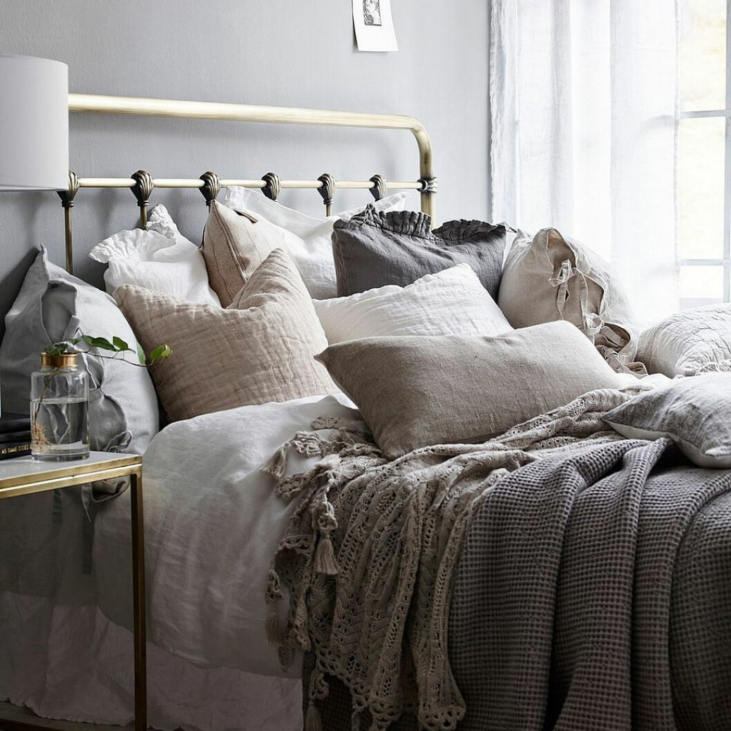 Sänggavel i metall