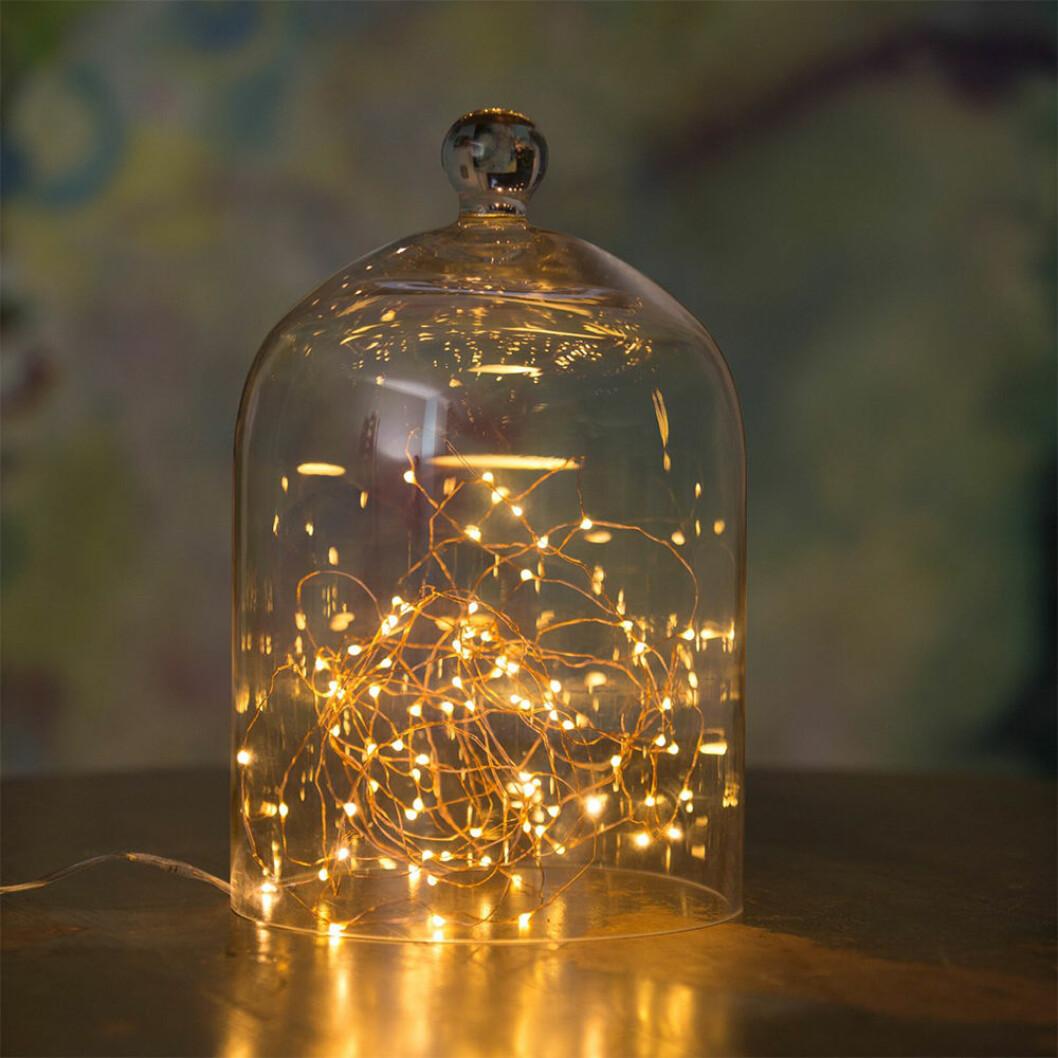 microljusslinga i guld från Watt & Veke