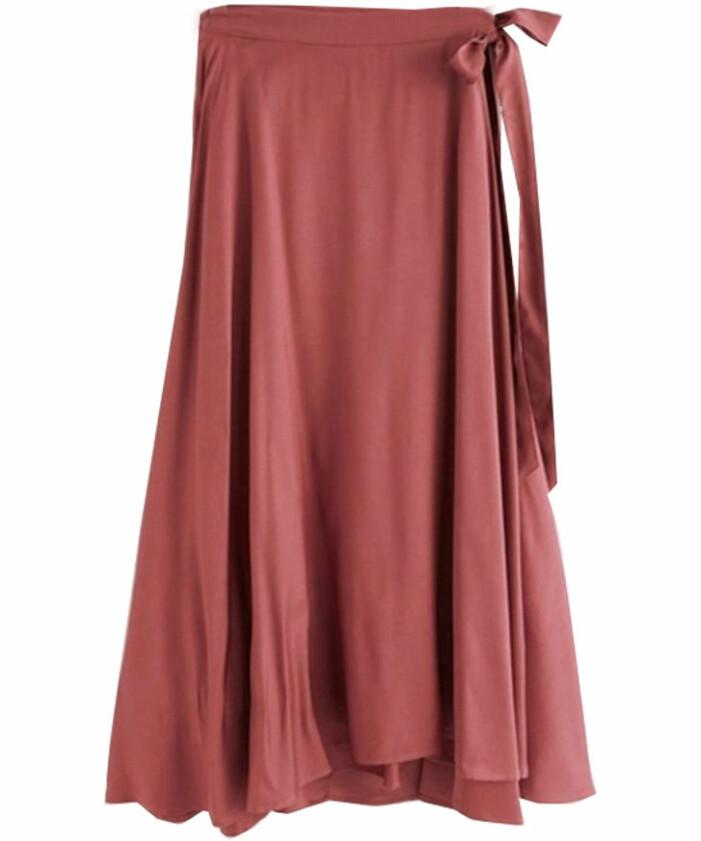 röd kjol dam