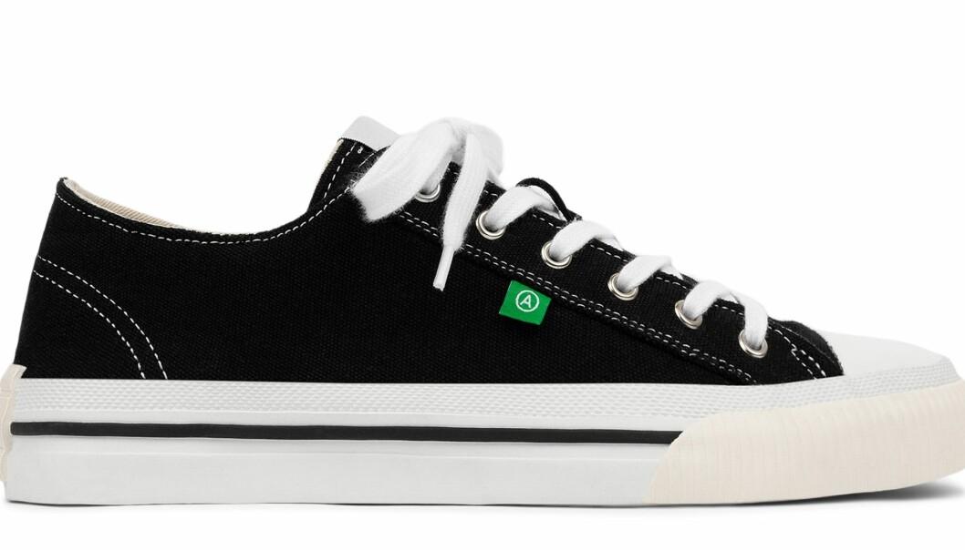 Axel Arigato midnight low sneakers i svart