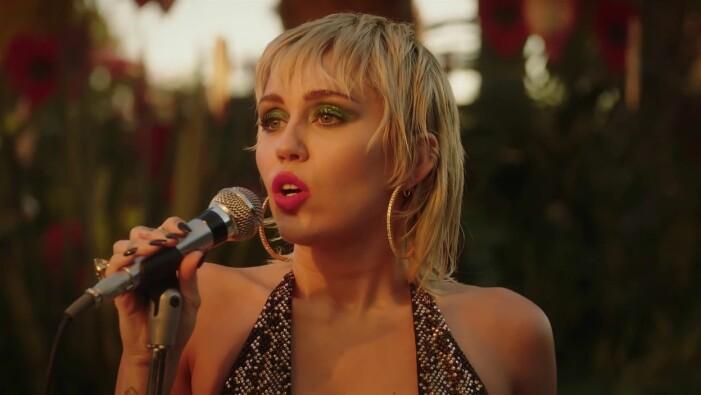 Miley Cyrus live