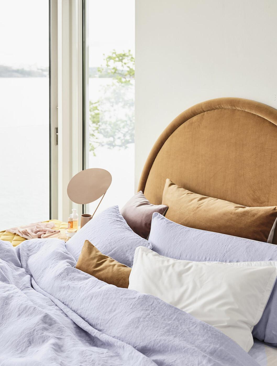 Sänggavel och sängkläder från Mille Notti 2020