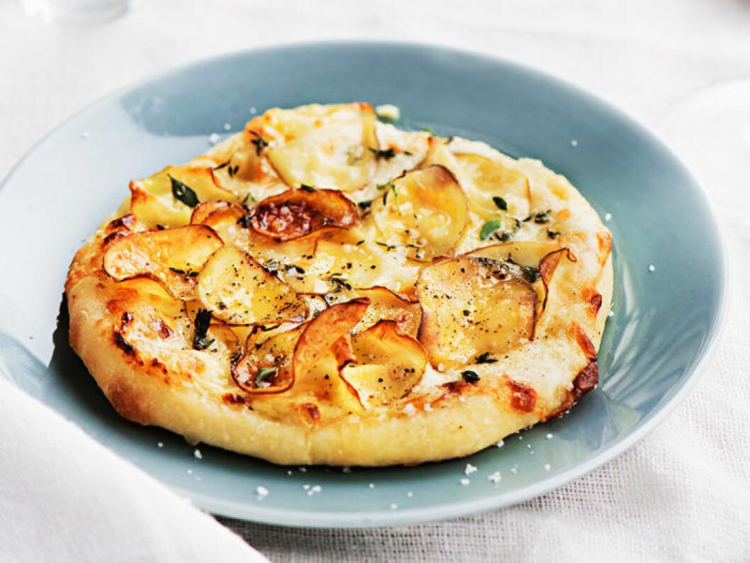 Pizza bianco med taleggio och tryffelhonung.