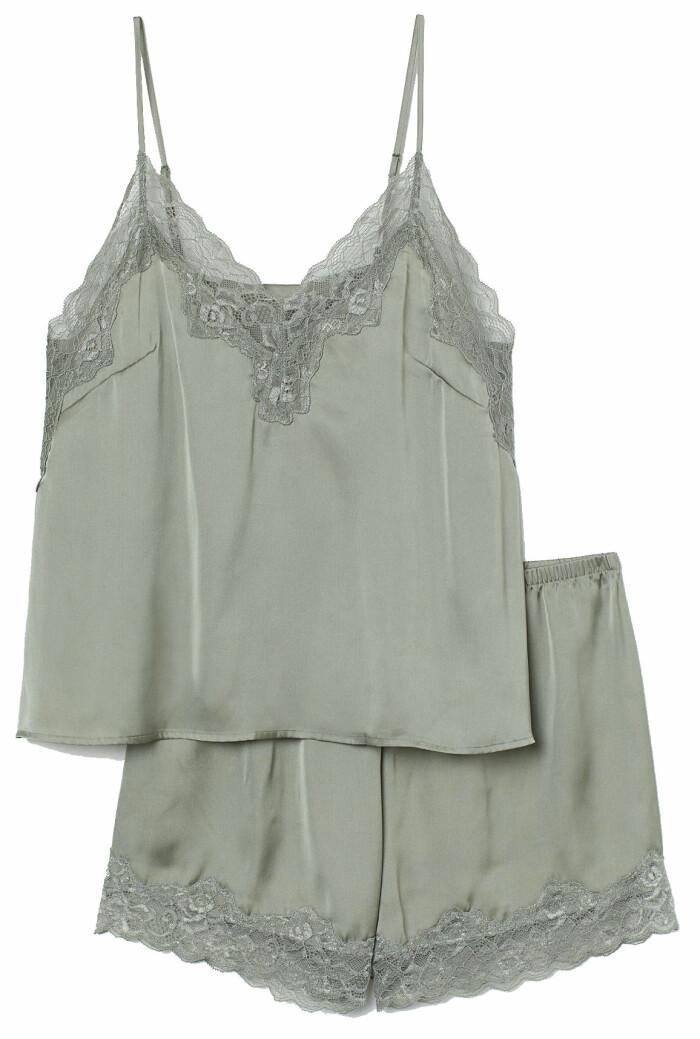 Mintgrön Pyjamas med linne och shorts från H&M. Se mer av setet som finns att köpa här.