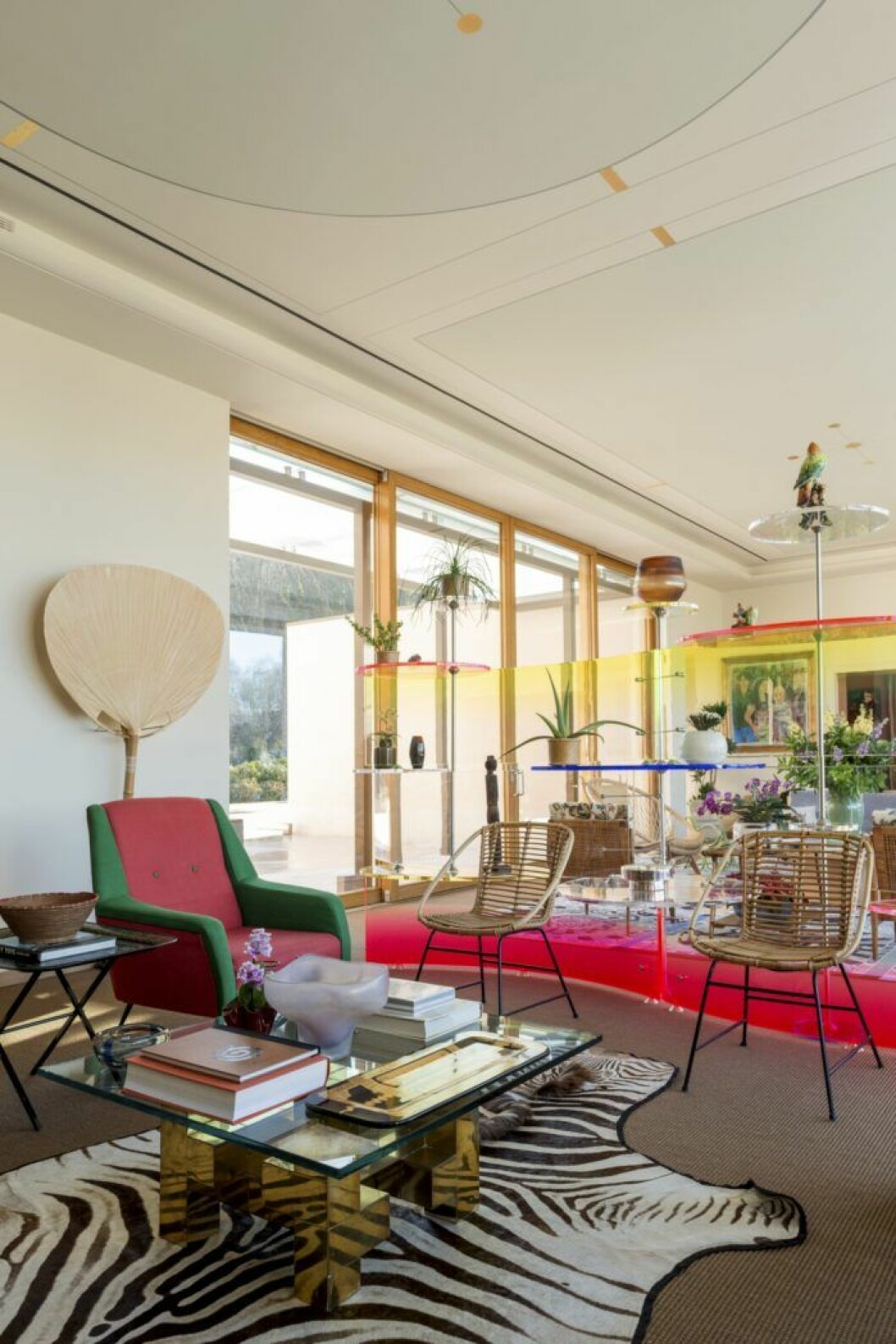 Färgglatt vardagsrum hos Margherita Missoni