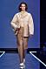 Beige look med kappa och byxor från Totêmes vinnarvisning ELLE-galan 2020.
