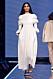 Vit långklänning med vackra detaljer från Totêmes vinnarvisning ELLE-galan 2020.