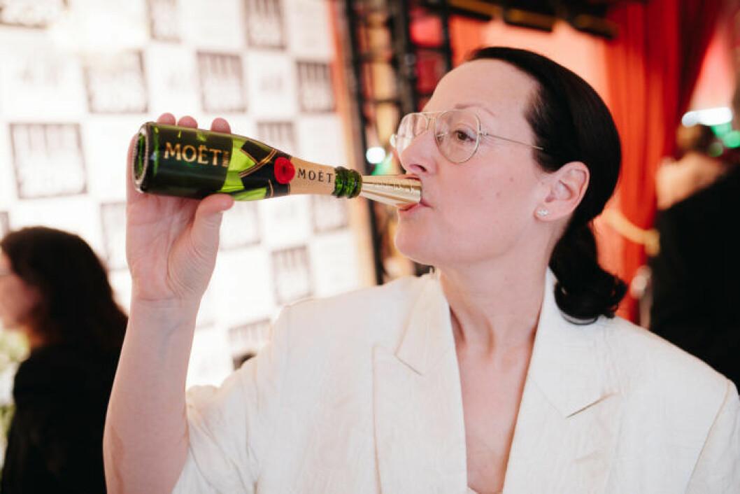 ELLEs chefredaktör Cia Jansson gillar champagne (vem gör inte det?).